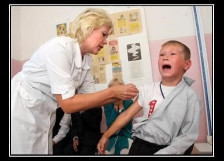 Image of a nurse giving a vaccination